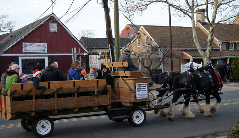 SPX2 - Horse-drawn carriage in Scotch Plains.png