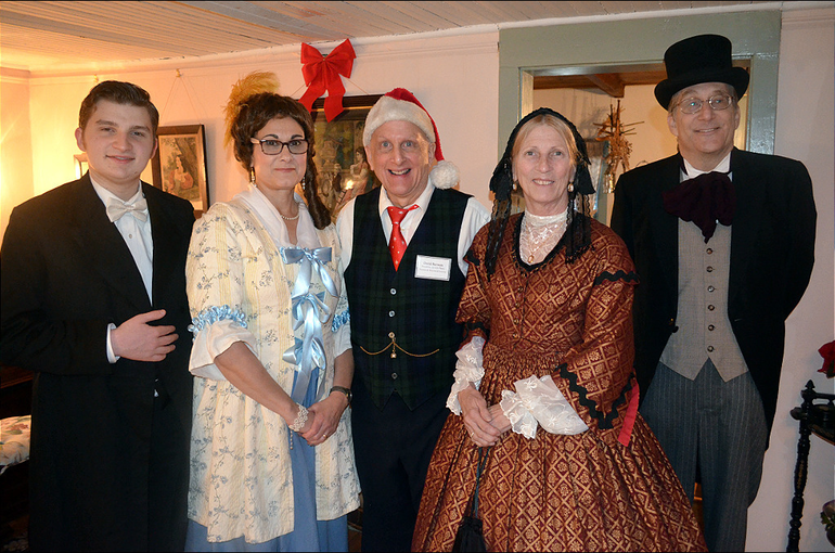 SPX4 - Volunteers in period costumes at the Canonball House in Scotch Plains.png