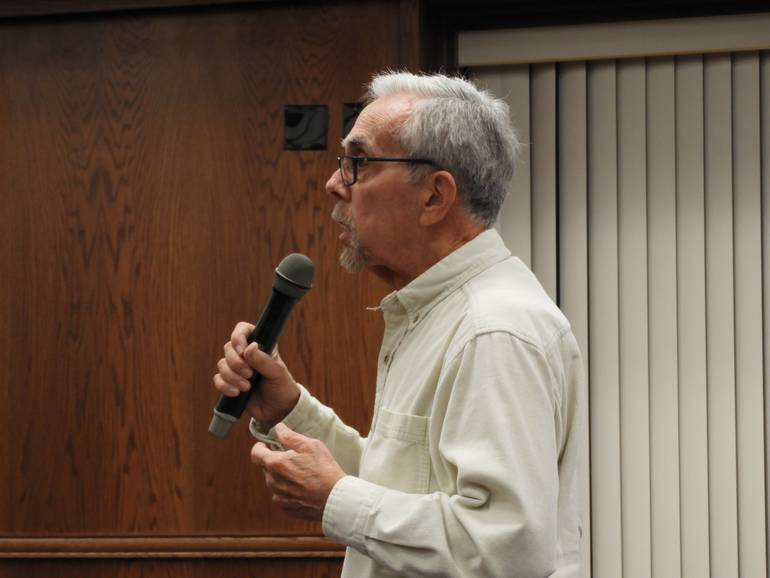 stephen Hecht, speaking about the council's public comment policy.jpg