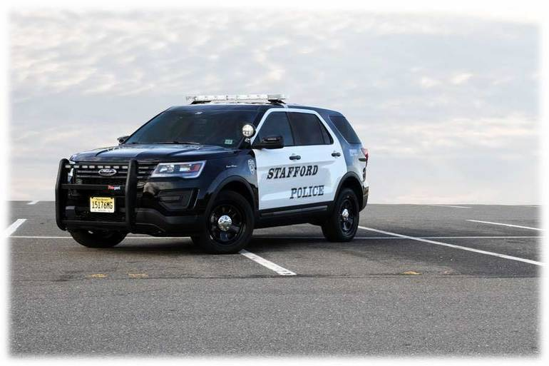 Best crop 4f7ff760f787a2110ee6 stafford police car