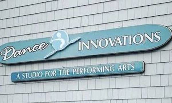 Top story 952b34e81c867e791128 studio sign 2