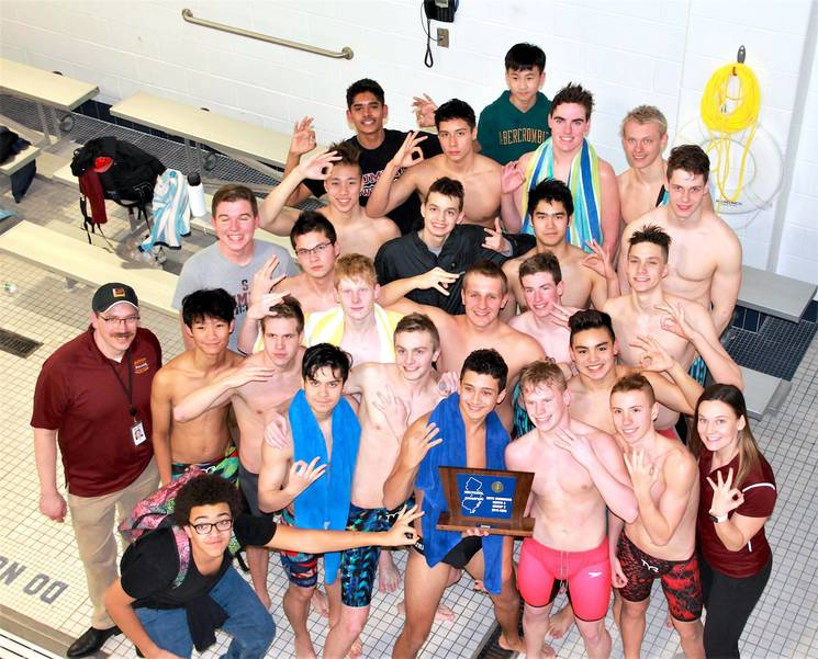 Summit boys defend sectional title.JPG