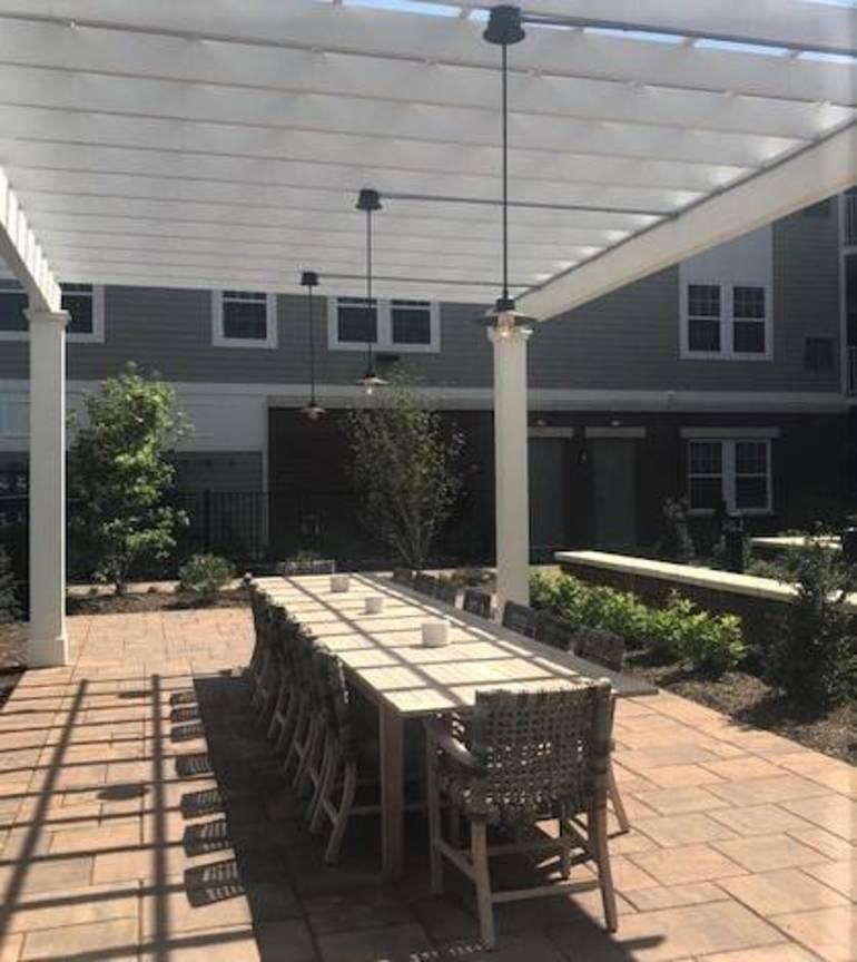 Summit Court outdoor dining