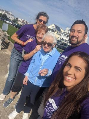 Sunnyside Manor Gathers Team To Participate, Raise Awareness for Walk to End Alzheimer's and Donates $5,000 to the Cause