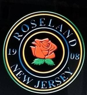 Carousel image b5bafcd06f0aed23a13d tap   roseland seal