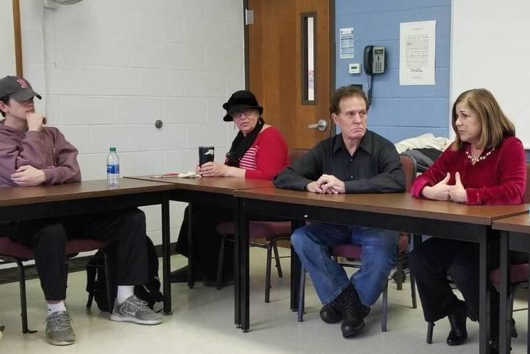 Former Congress Members Speak to Class