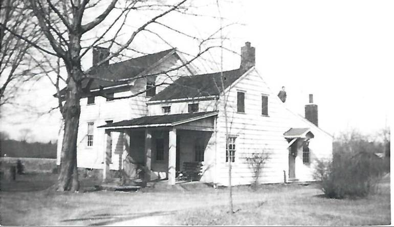The_Pearce_Homestead_on_Horseneck_Road____22__.__The_Collerd_Family_moved_here_in_1896..jpg