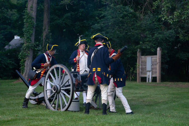 The cannon is cleaned after being fired.JPG