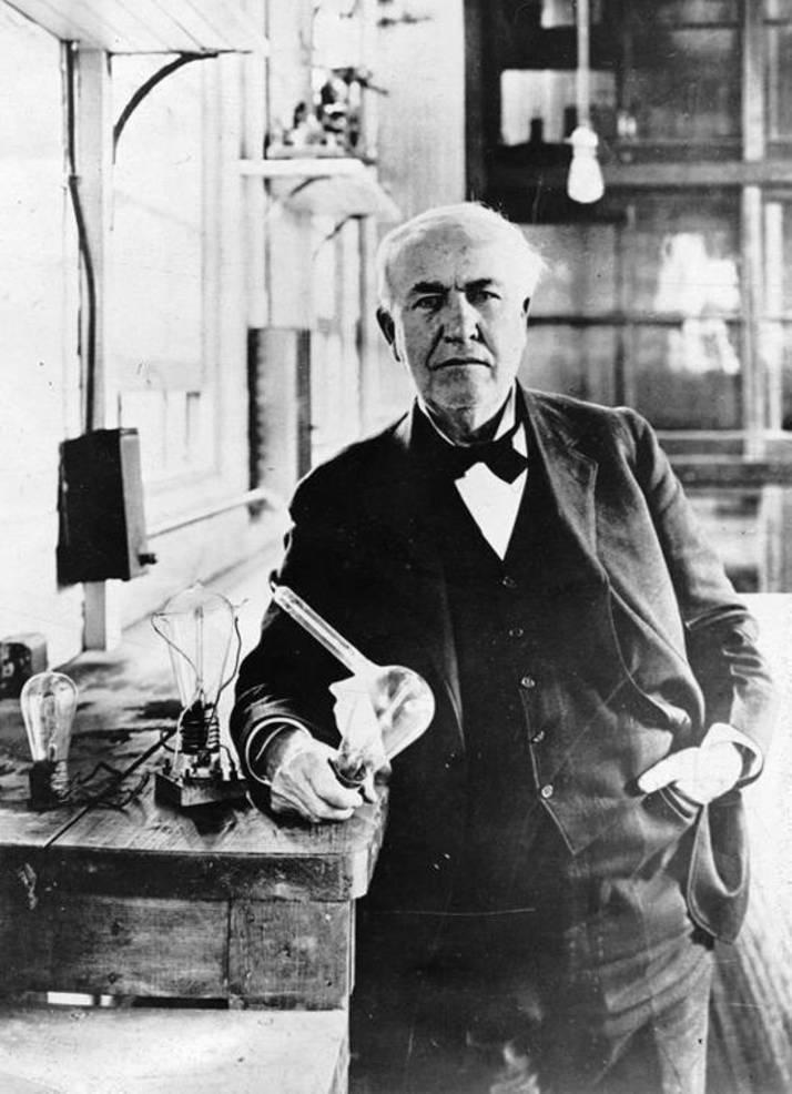 Thomas Edison - photo circa 1919.jpg