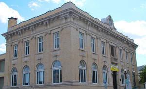 Carousel image 3e74697d21dc641e9561 town hall