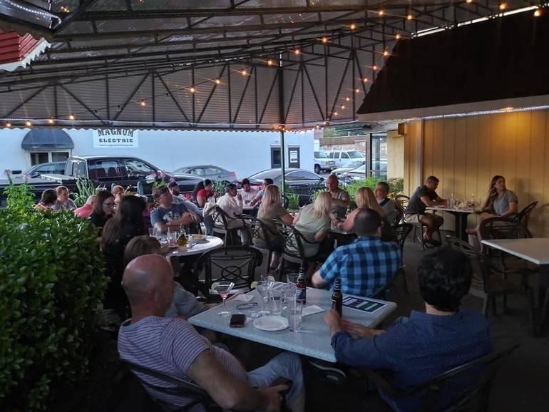 Hawthorne Dems Host Free Trivia Night at Puzo's Restaurant