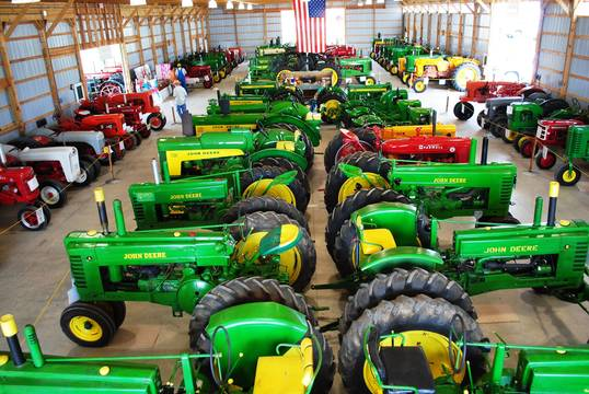 Top story 128057022f2c687ff1aa tractorbarnoverhead