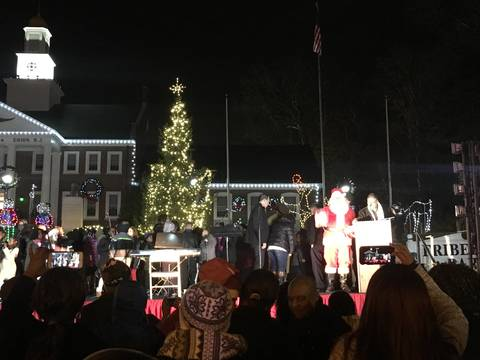 Top story ece26a0b849b42e67204 tree lighting 2016 11
