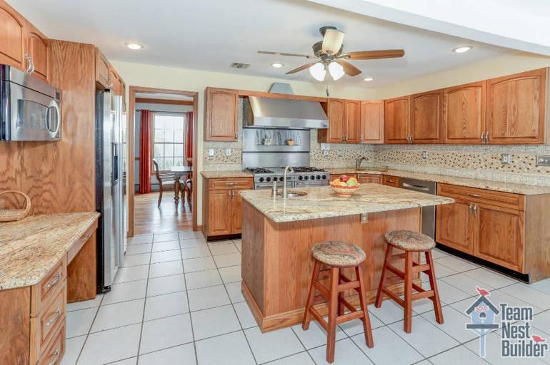 TS WM Kitchen 6 Arielle Way.jpg