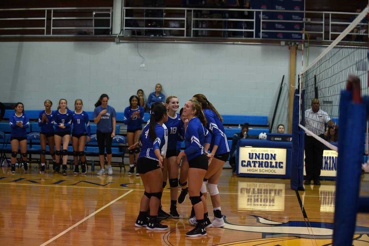 UC volleyball beats demarest.jpg