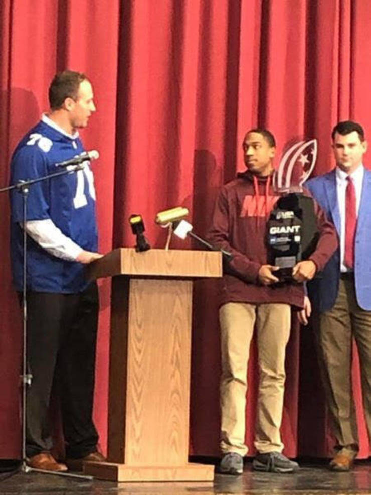 Hillside High Football Standout Shadon Willis surprised by Giants OL Solder with the 'Heart of a Giant Award'