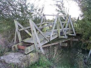 Carousel_image_15385e85e4d4e6cb61a6_unsafe_bridge
