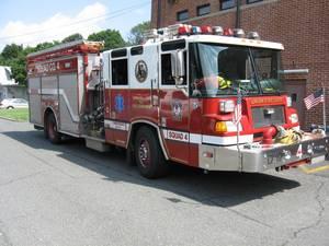 Carousel image 8c02abe5f1238d6ec84c union fire truck 2