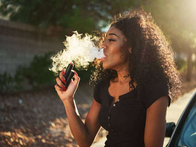 What Happens to Your Lungs When You Vape?