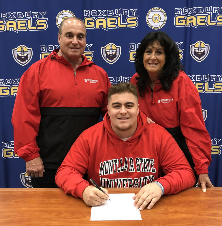 Vincent Manganella w Parents.jpg