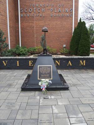 Carousel_image_81801a2bbad10d10f276_vietnam_war_memorial_in_scotch_plains