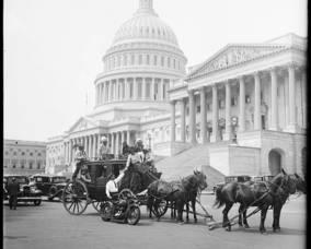 Carousel_image_eb36d25a991227ed3c09_vintage_horses_capitol2
