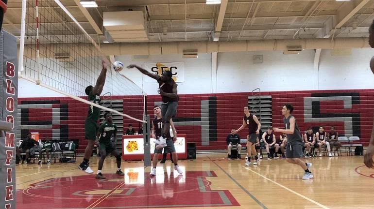 Volleyball May 11 z.jpg