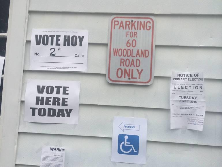 voting signs.JPG