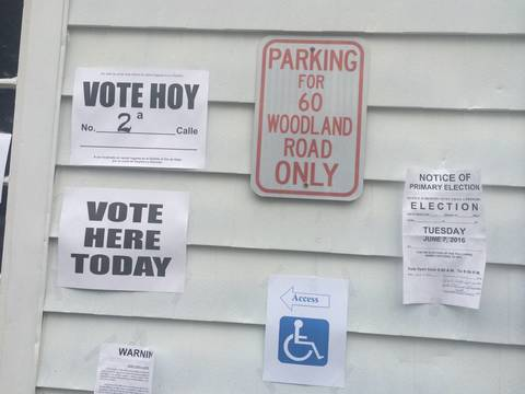 Top story a4e375659cbbb031e0c3 voting signs