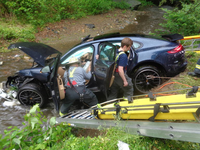 Gladwyne car accident turns into water rescue in Lower