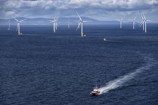 Top story efc47466c7252388976c walney vessel and turbines