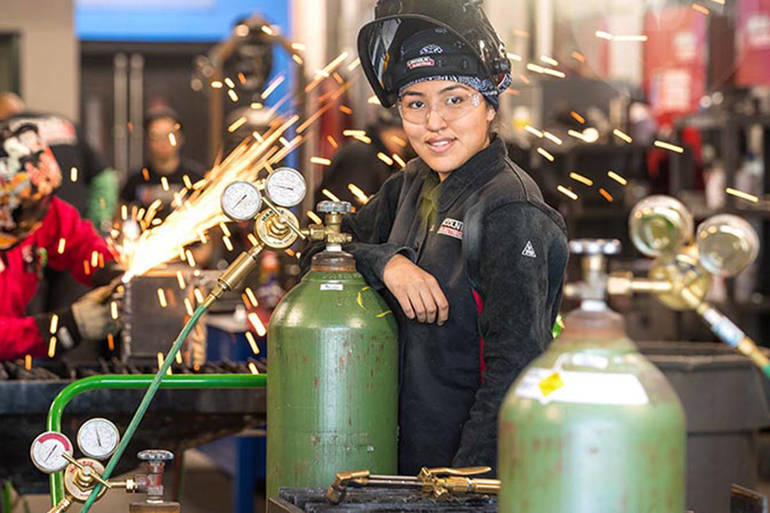 Best crop d60dbdc1a87d1bfc9d08 weldingwoman2