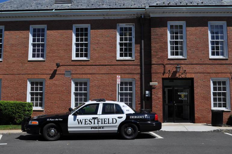 WestfieldNJ_Police_station.JPG