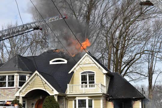 Top story d47dbbfd7d5d57218324 westfieldhousefireflames