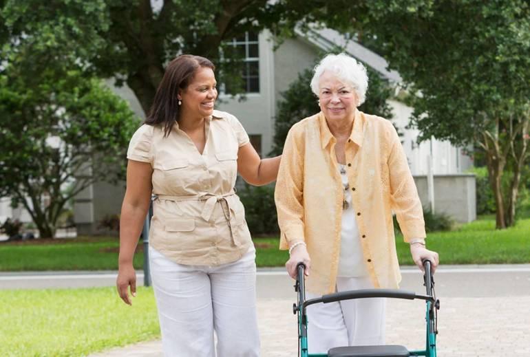Home Health Aide Duties: What Does an HHA Do?