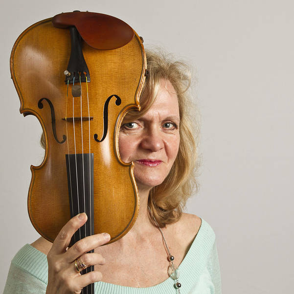 Violinist Elzbieta Winnicki