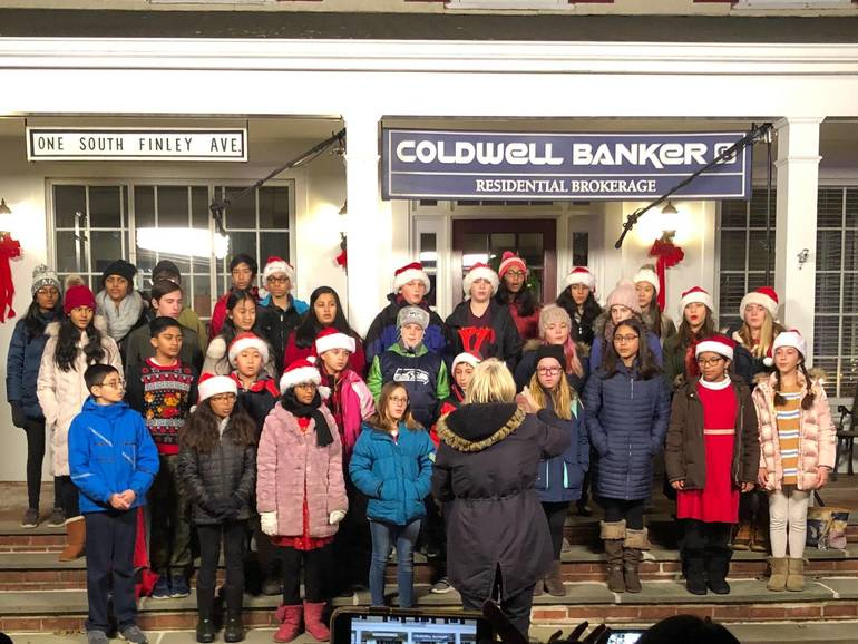 William Annin Choir at tree lighting