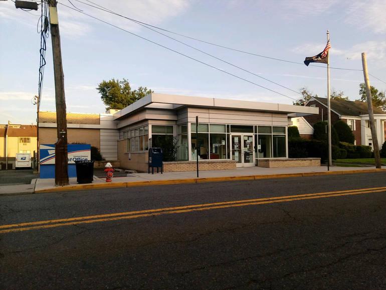 Wood-Ridge Post Office taken August 1 2020.jpg