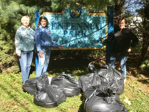 Top story abf909c9eede57a72b0c womens club boro fall cleanup.2
