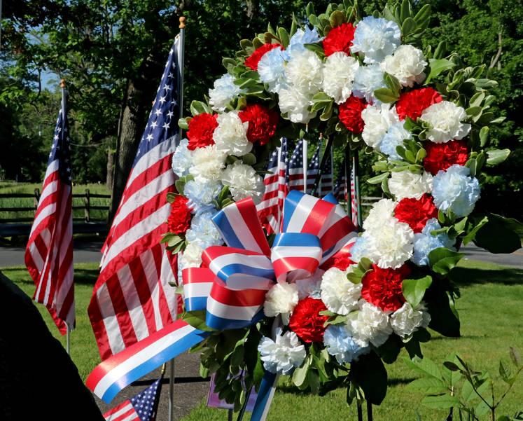 Wreath-Green Village Memorial Day 2019-photo by Tom Salvas.jpg