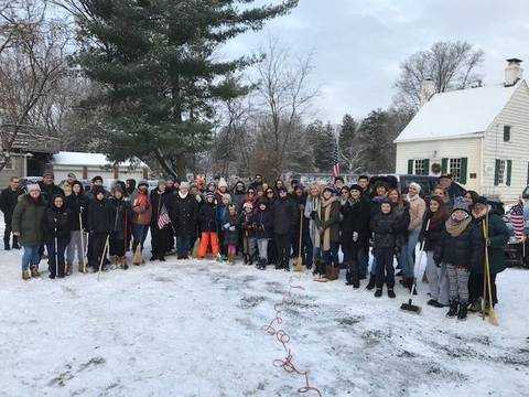 Top story b4d7115fb89c2c68ec8a wreaths across america 2017 group shot