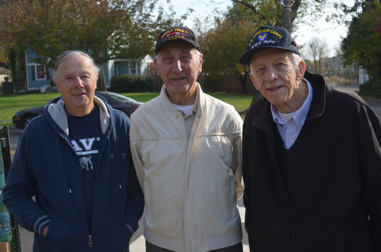 WWII vets in Fanwood 11-11-19.png