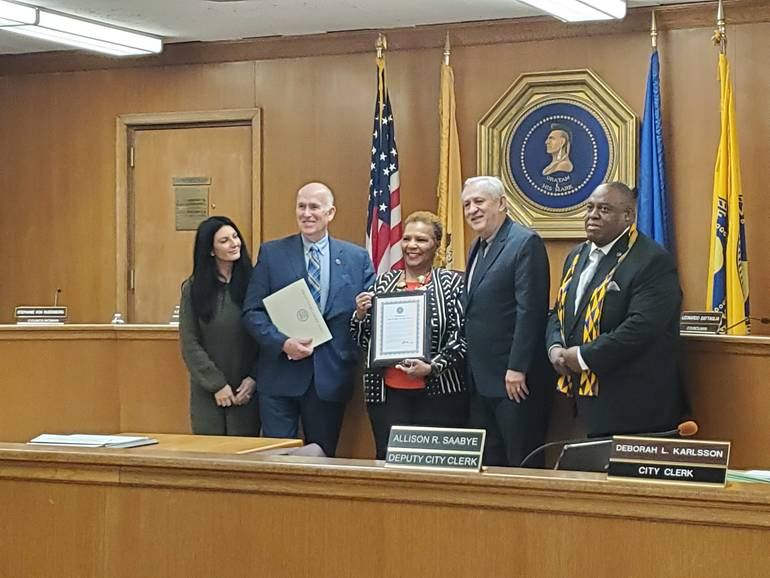Yolanda Hawkins-Rodgers with the Mayor and Council.jpg