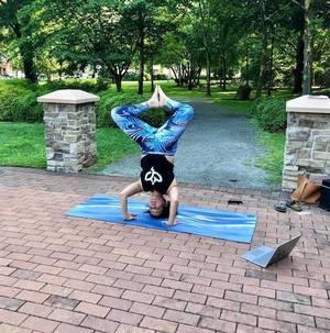 Carousel image fa44e3871dd717d49be6 yoga1