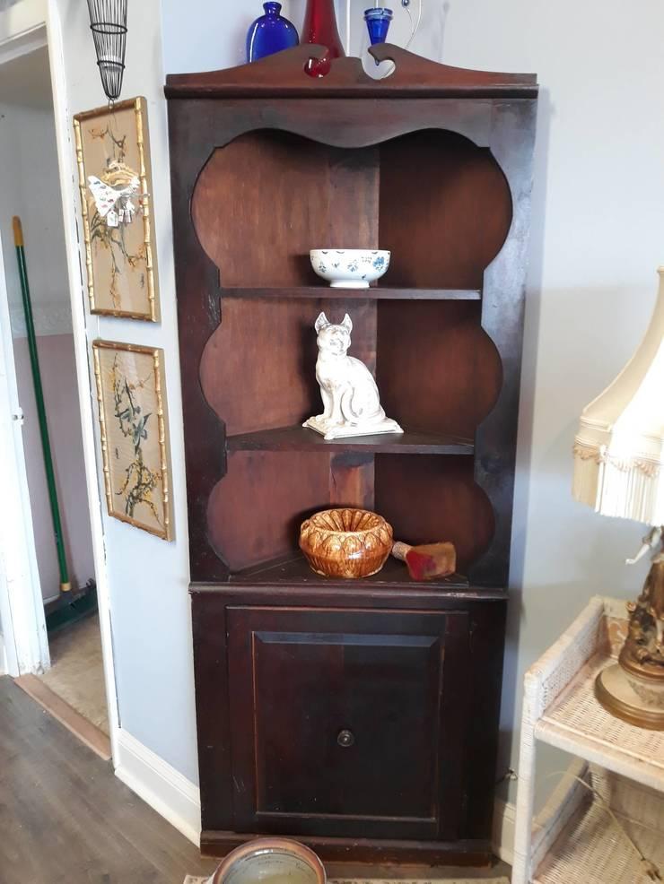 Lovely pine corner cabinet