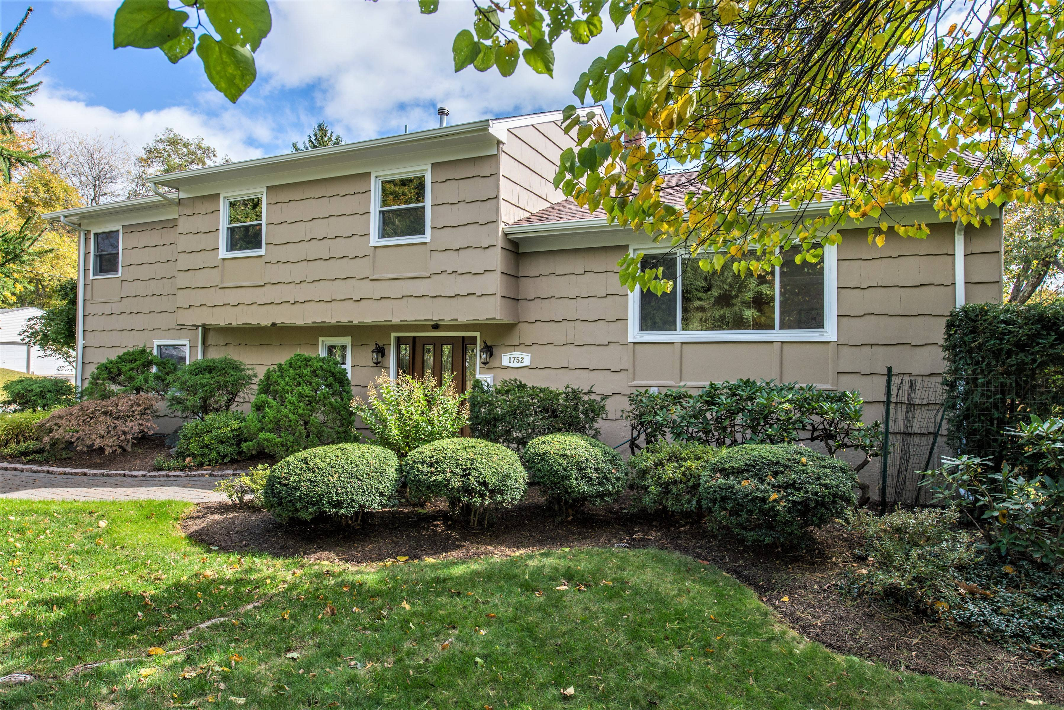 1752 Springfield Ave. Split Level with plenty of space options