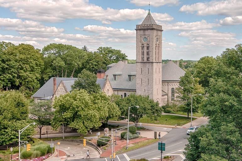 Presbyterian Church in Morristown.jpg