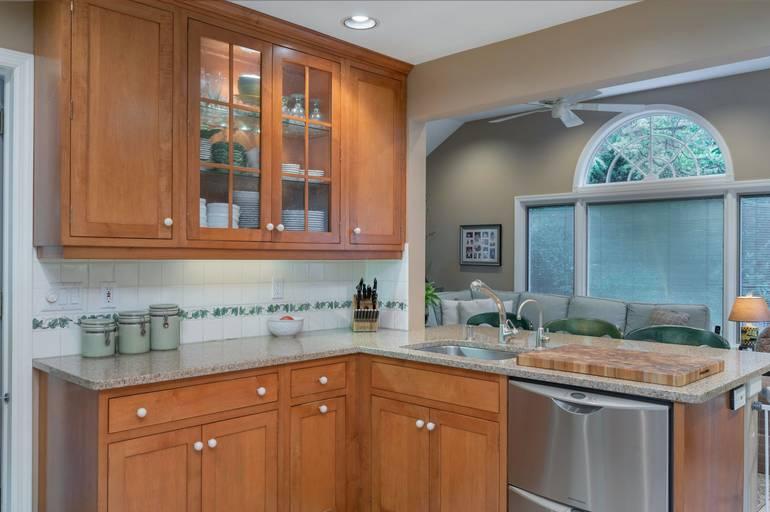 270 Brookhaven Way, Millburn Township, NJ: $995,000