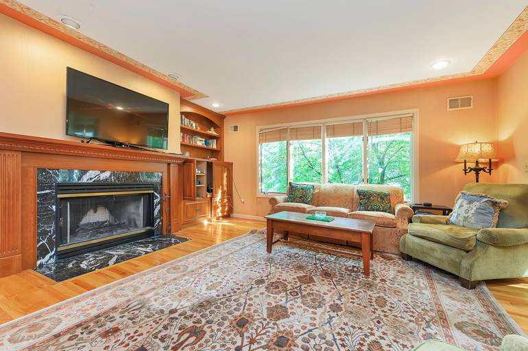 25 Bedford Road, Summit, NJ: $1,400,000