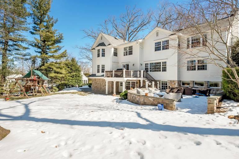 27 Silver Lake Drive, Summit, NJ: $2,295,000